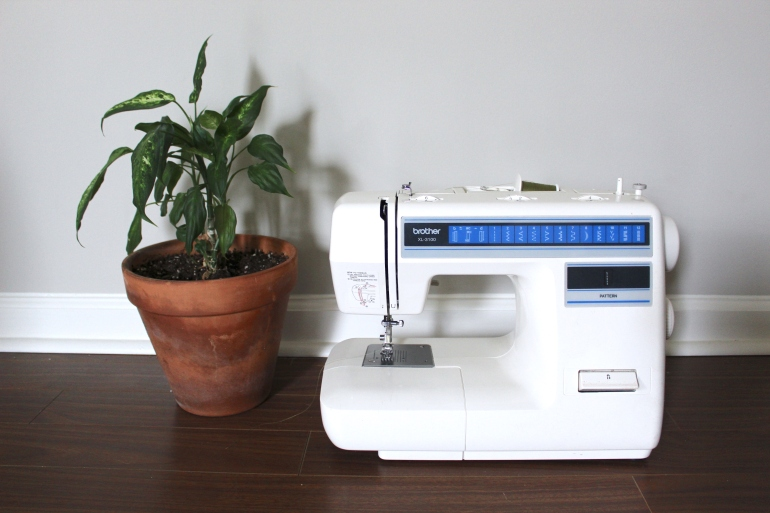 How to Use a Sewing Machine | KettleandCloth.com
